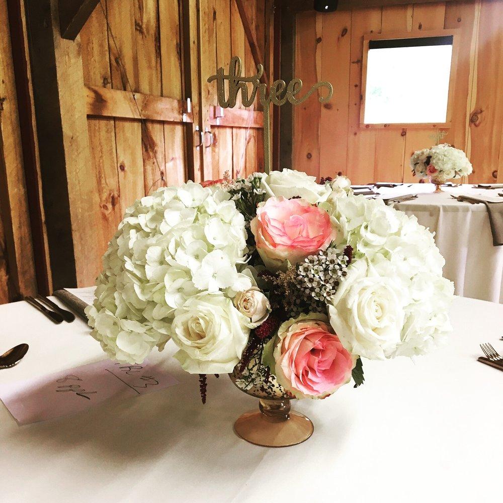 Evelisa Floral & Design: pedestal vase arrangement
