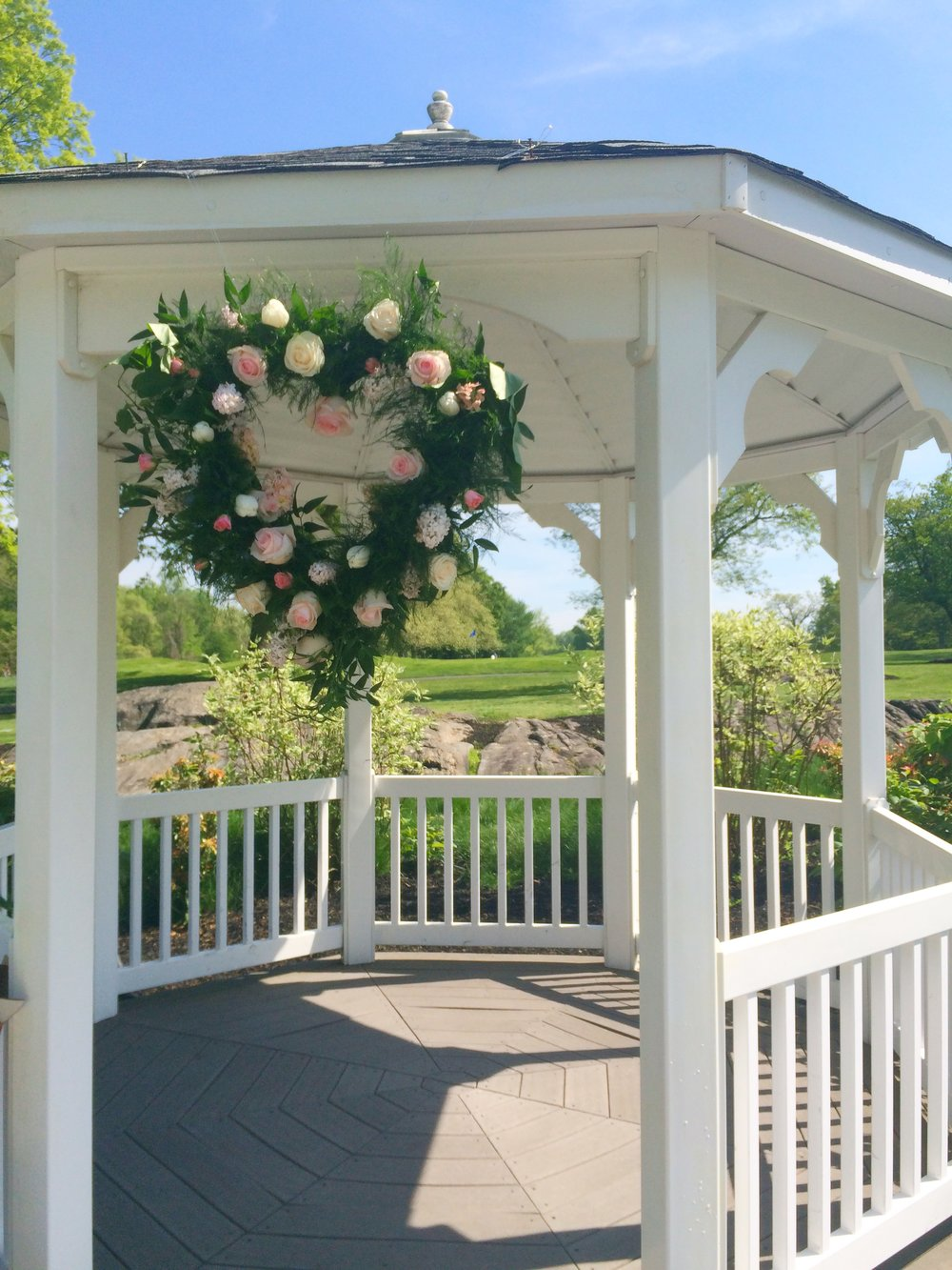 Evelisa Floral & Design: Gazebo flowers