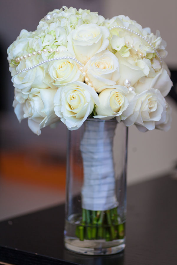 Photographed by:  Dream Pictures NY , Round Bouquet created: Evelisa Floral & Design