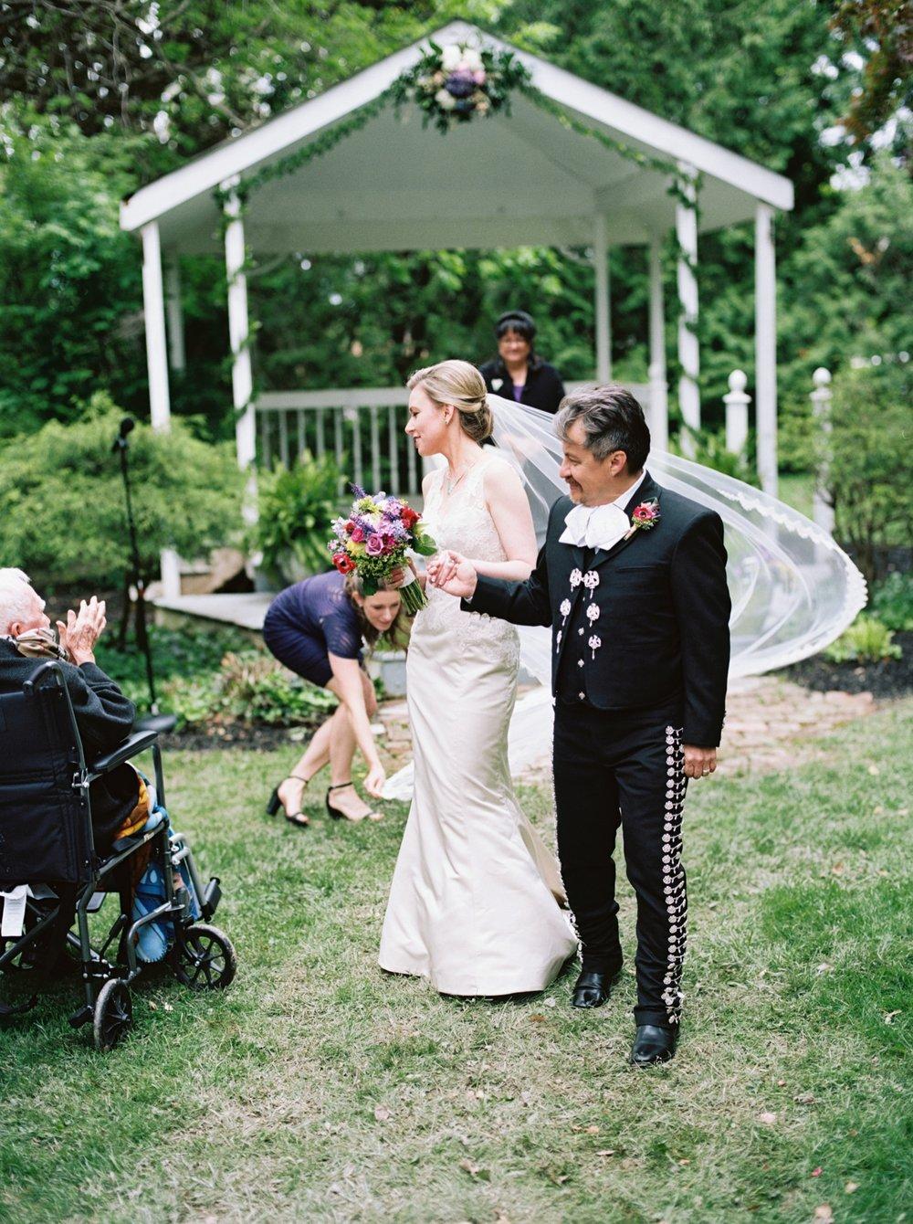 season magnolia manor wedding elisa ignacio czar goss photo 17.jpg