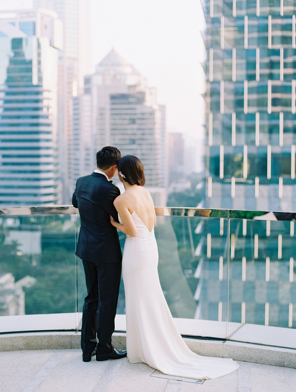 bride and groom cityscape bangkok thailand