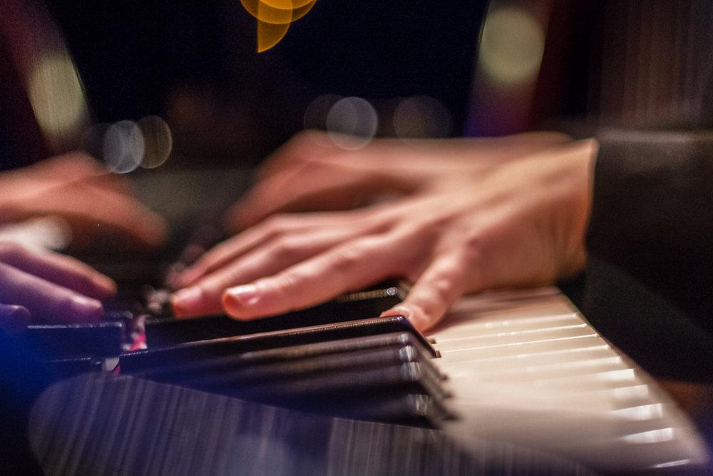 Book-Musicos-manos -pianista-08-Fotografo-Nelly-del-Arbo.jpg