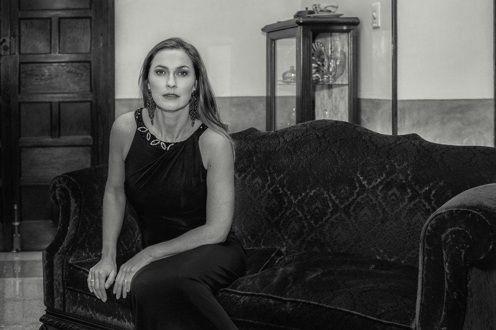 Retratos-Mujer-Finca-El-Señoret-Benidorm-01-Fotografo-Nelly-del-Arbo.jpg