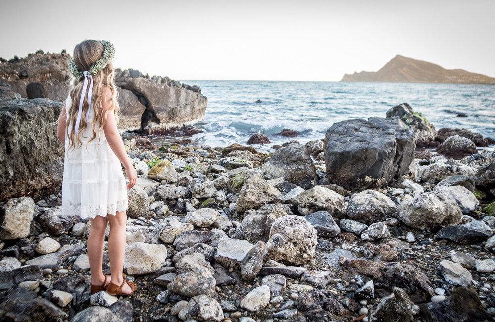 Boda-Playa-La-Olla-Niña-Flores-01-Fotografo-Nelly-del-Arbo.jpg