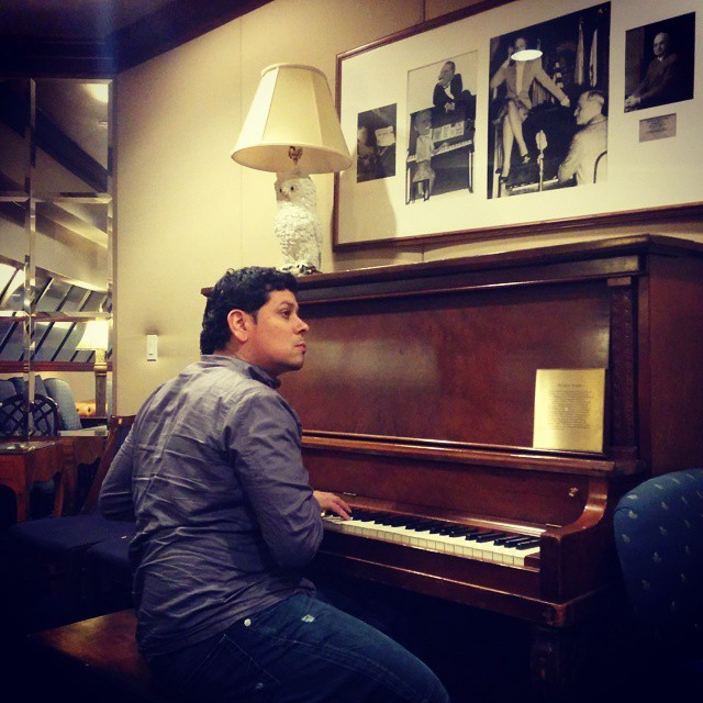 Tickling the ivories while waiting on the #trumanpiano at the #nationalpressclub