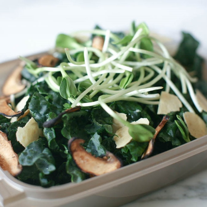 SWEET KALE. apple. spiced almonds sprouts. honey mustard dressing.jpg