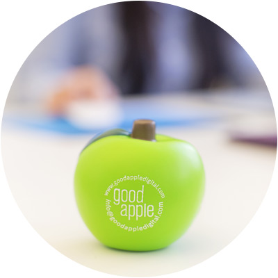 GOOD APPLE [DESK MEMBER]