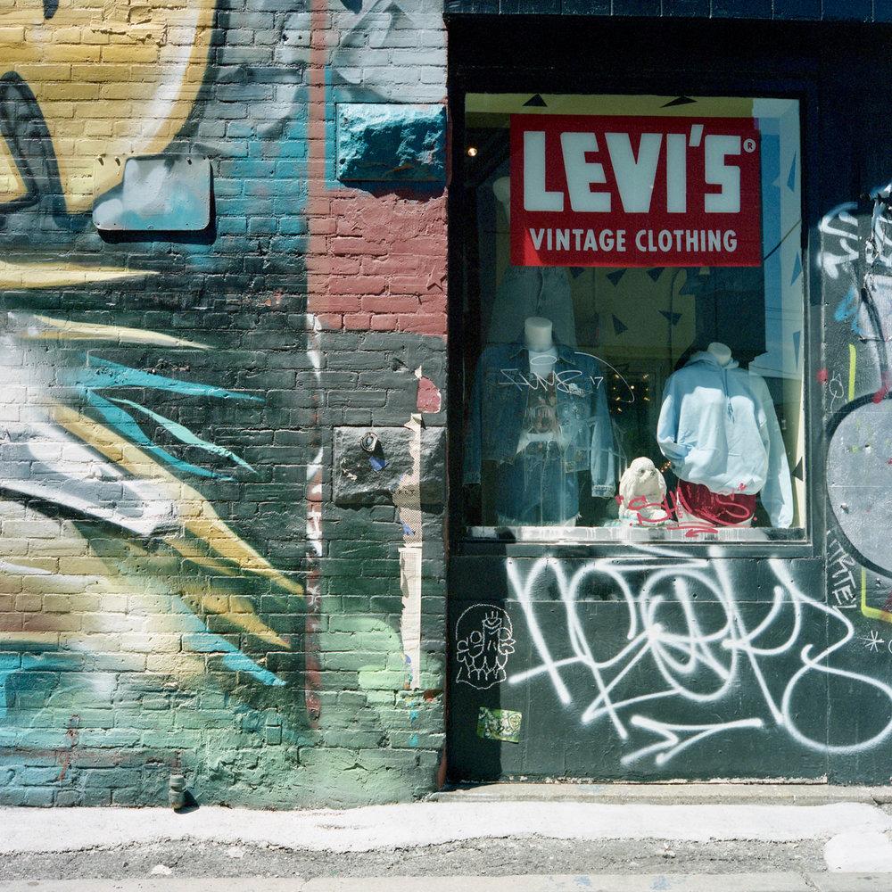 levis - 1.jpg