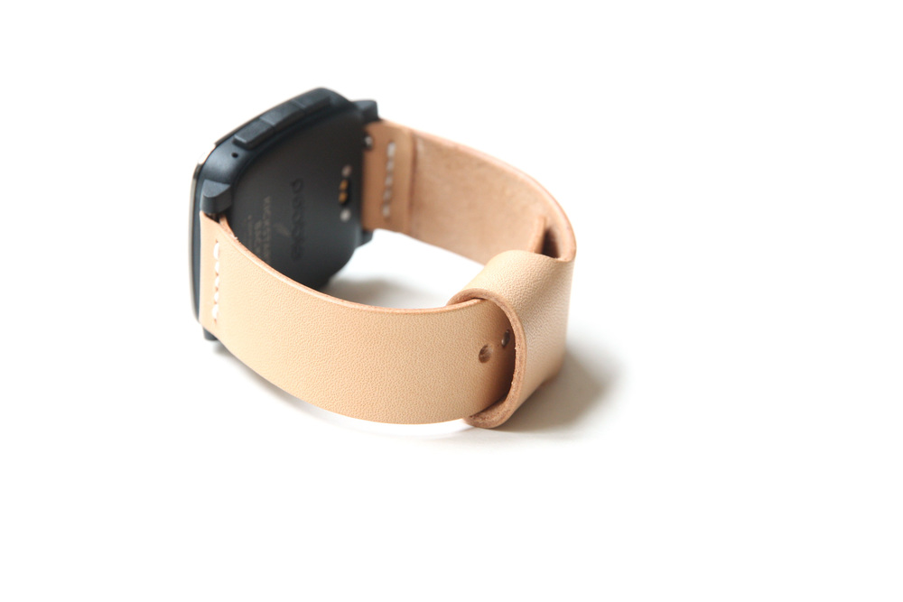 Pebble watch band with pin and tuck closure