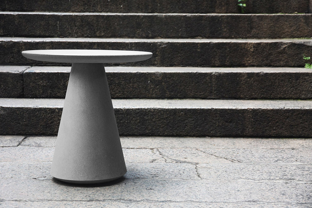 compoclay-niente-side-table-by-manchuen-hui-w1.jpg