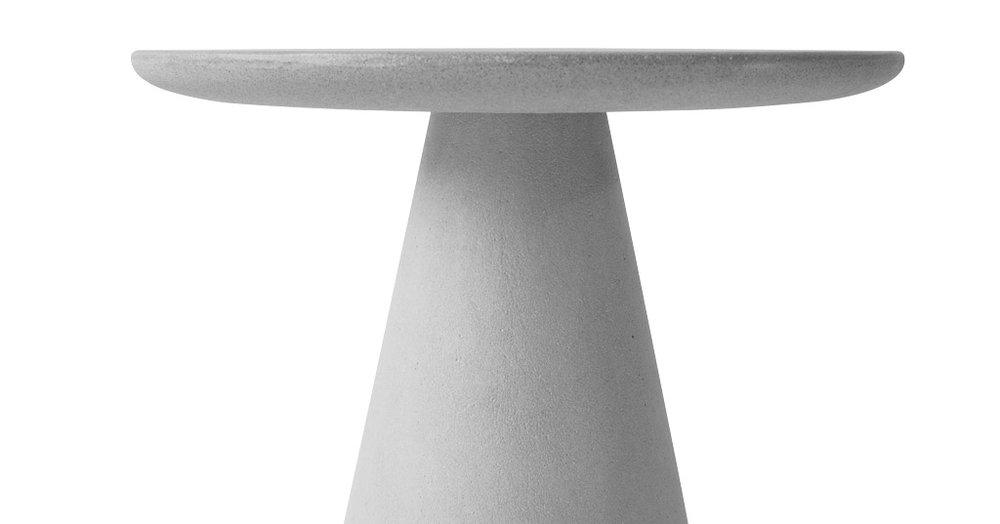 compoclay-niente-side-table-by-manchuen-hui-w2.jpg