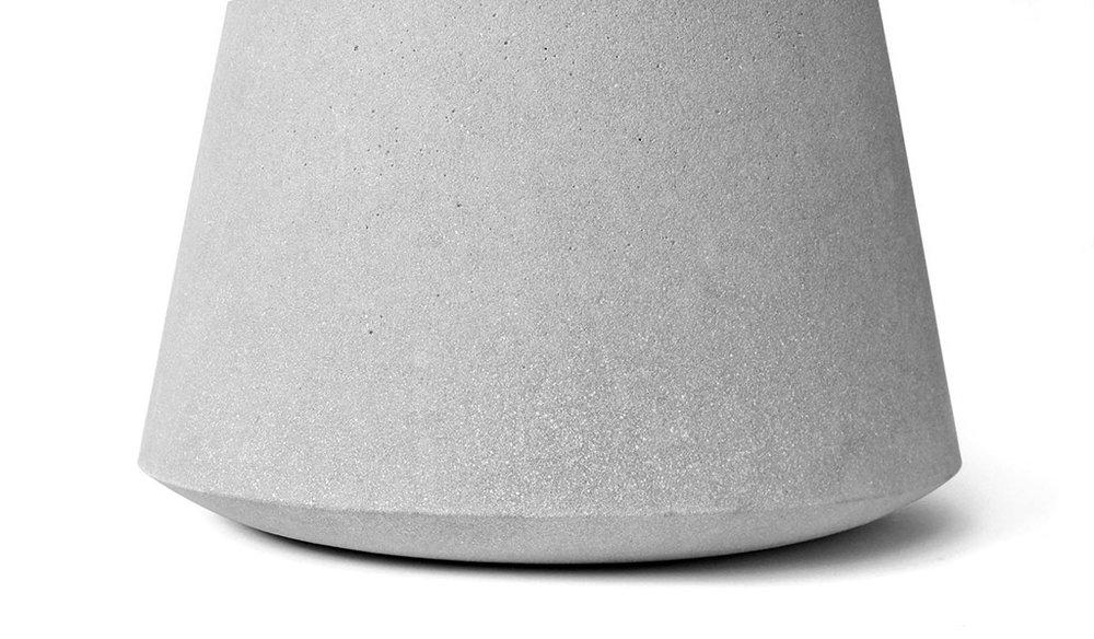 compoclay-niente-side-table-by-manchuen-hui-w3.jpg