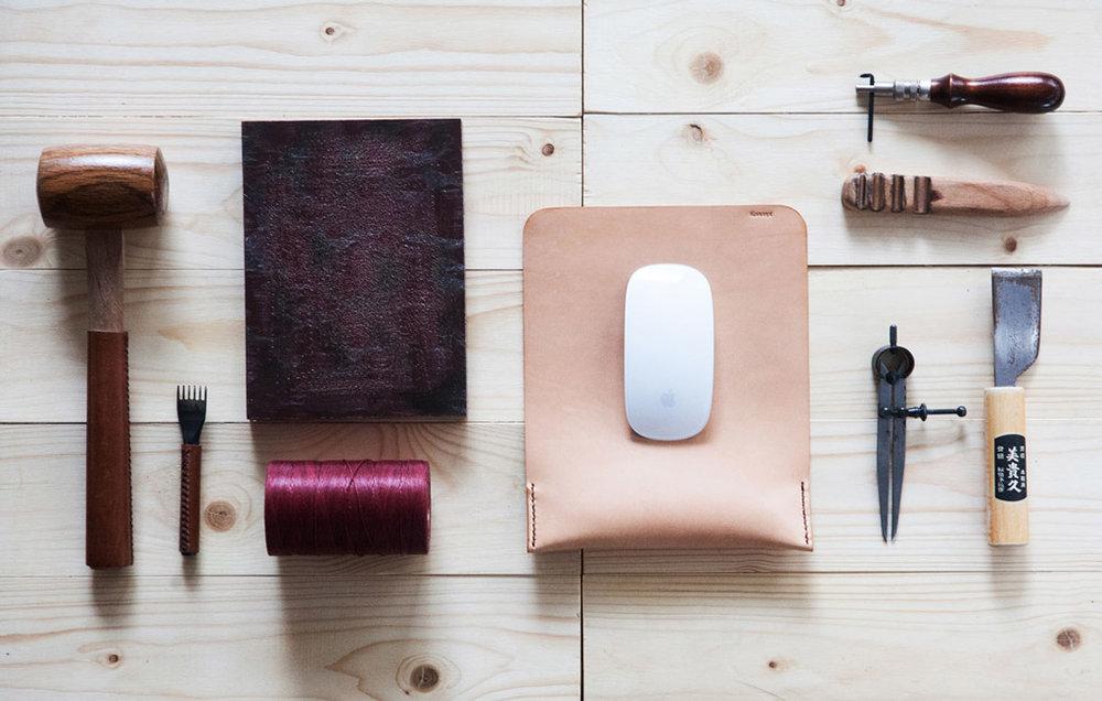 koncept-leather-mouse-pad-by-manchuen-hui-w1.jpg