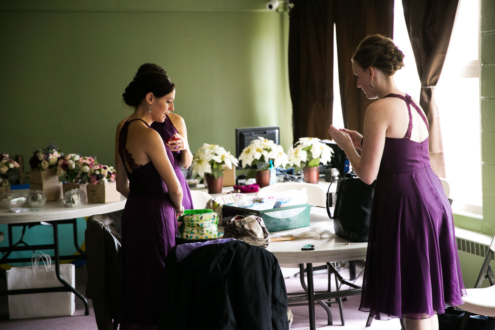 Seattle Community Church Wedding Photography | By G. Lin Photography | Bridesmaids getting ready