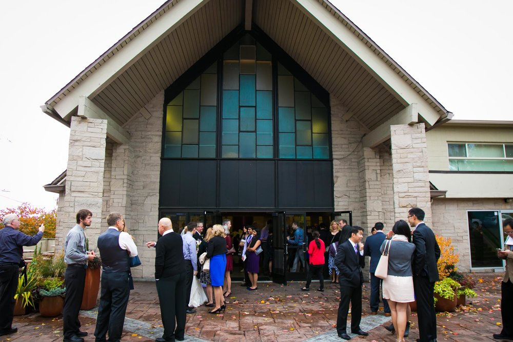 Seattle Community Church Wedding Photography | By G. Lin Photography | Guests waiting outside