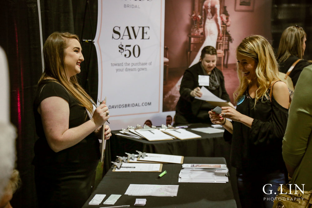 Raleigh Event Photographer | G. Lin Photography | Vendor and bride chatting at booth