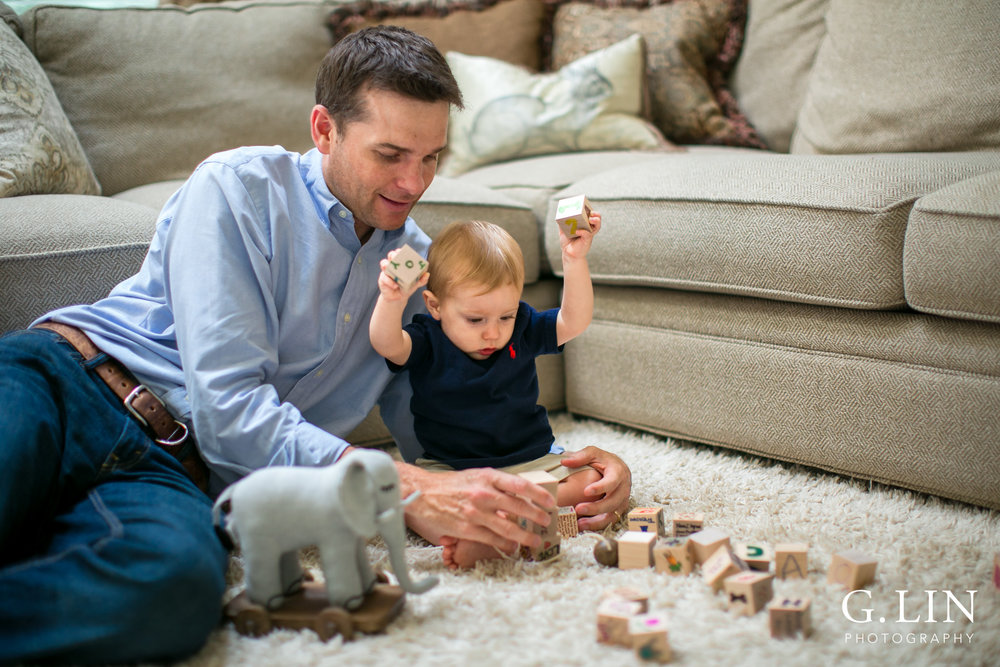 Raleigh Lifestyle Photographer | G. Lin Photography | Father and son playing with blocks in the living room