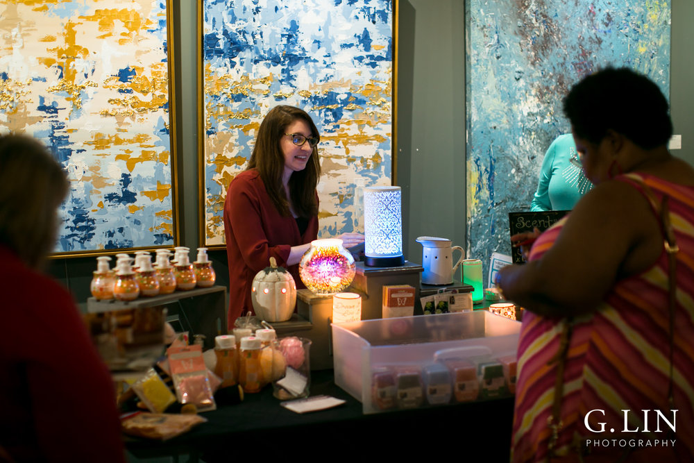 Raleigh Event Photographer | G. Lin Photography | Vendor greeting customer at booth