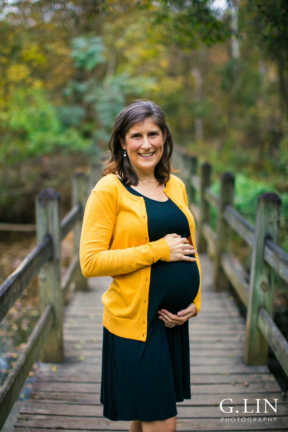 Durham Family Photography | G. Lin Photography | Maternity photo on the bridge