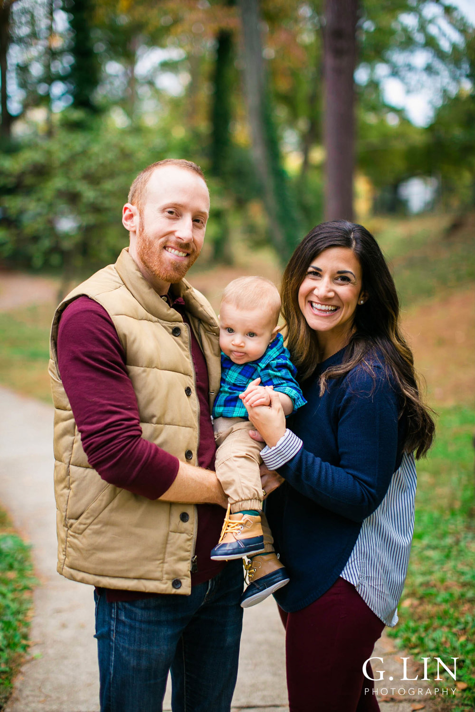 Durham Family Photographer | G. Lin Photography | Cute fall family photo