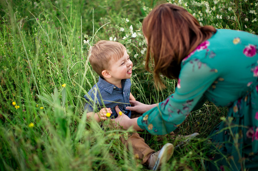 Raleigh Family Photographer | G. Lin Photography | Portrait of mother and child at NCMA
