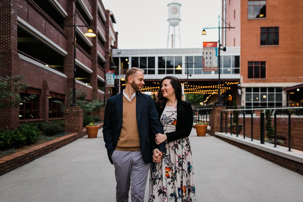 Outdoor portrait of couple | Durham Photographer | By G. Lin Photography