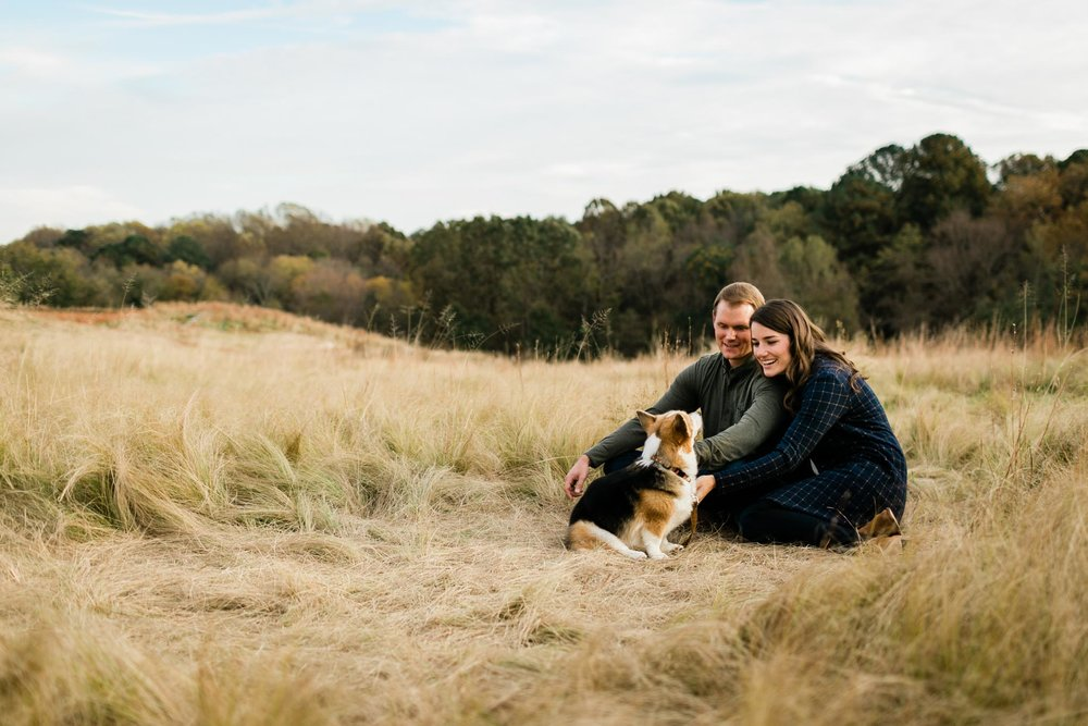 Outdoor family photo at NC Museum of Art | Raleigh Family Photographer| By G. Lin Photography