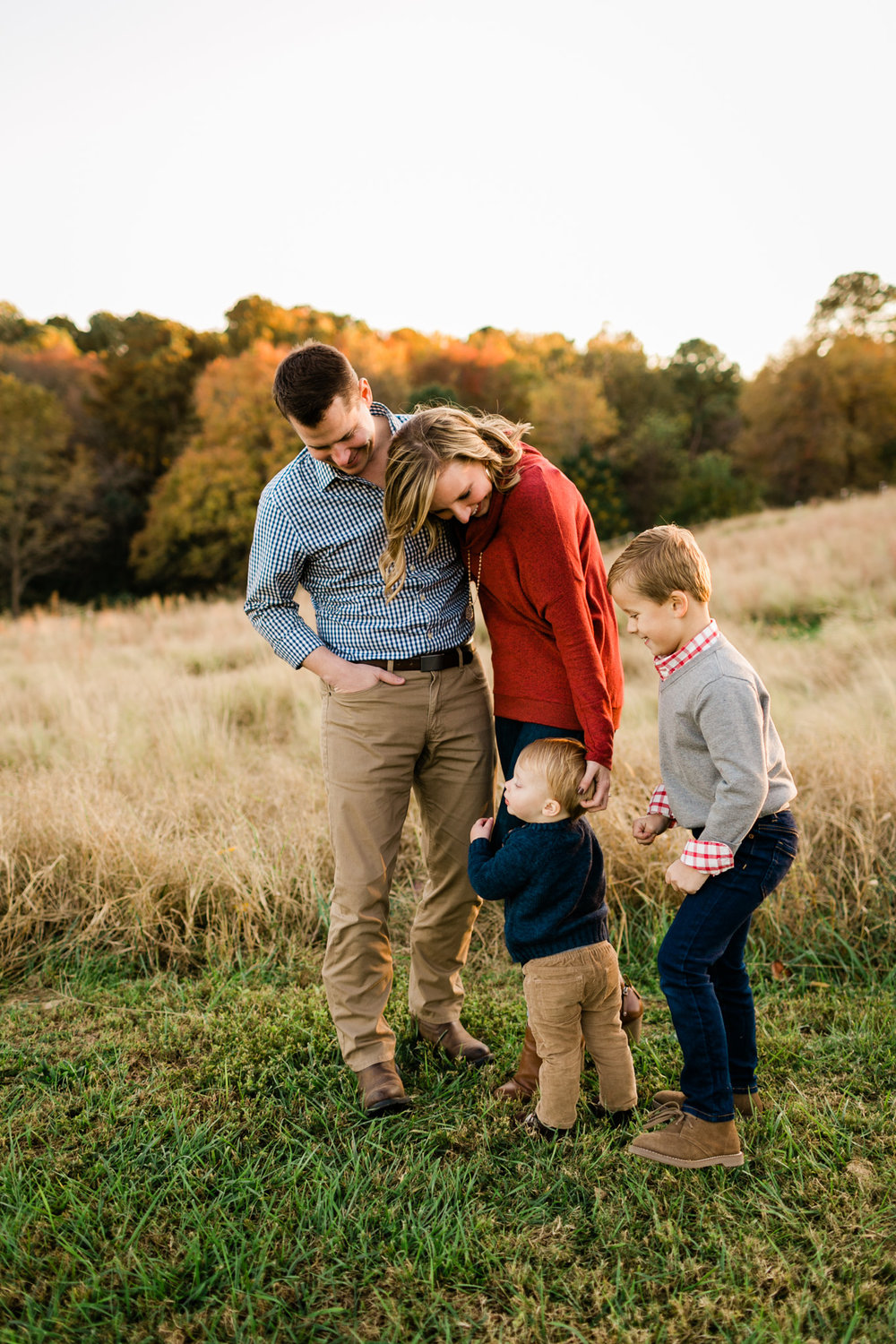 Candid family photo at NCMA | Raleigh Family Photographer | By G. Lin Photography