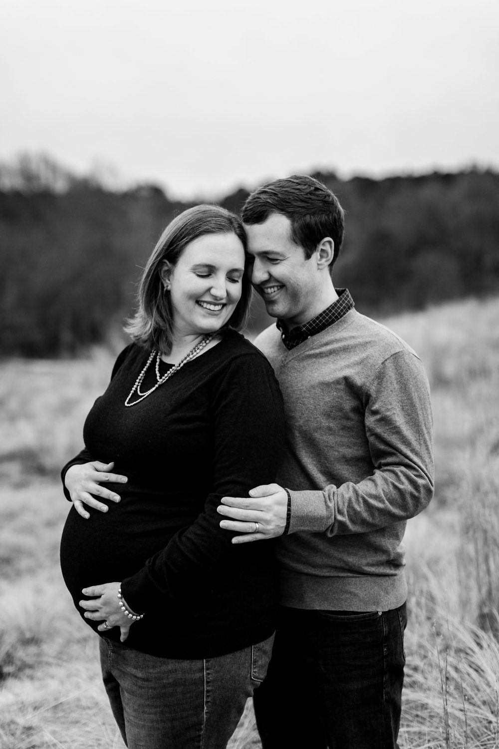 Beautiful black and white maternity photo at ncma | Raleigh Newborn Photographer | By G. Lin Photography