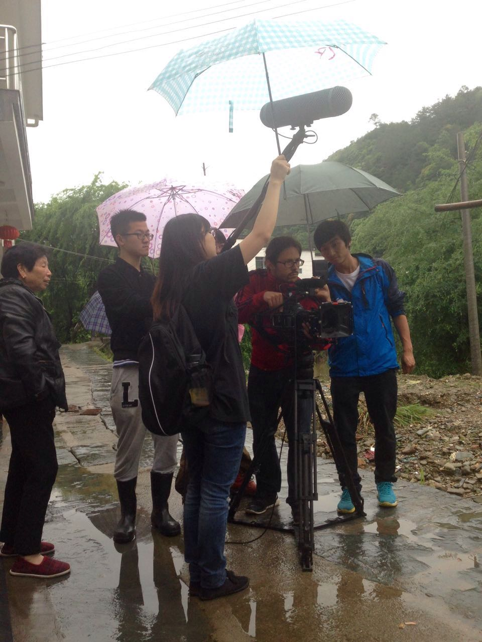 Rainy days in Shang Xiao Qi.