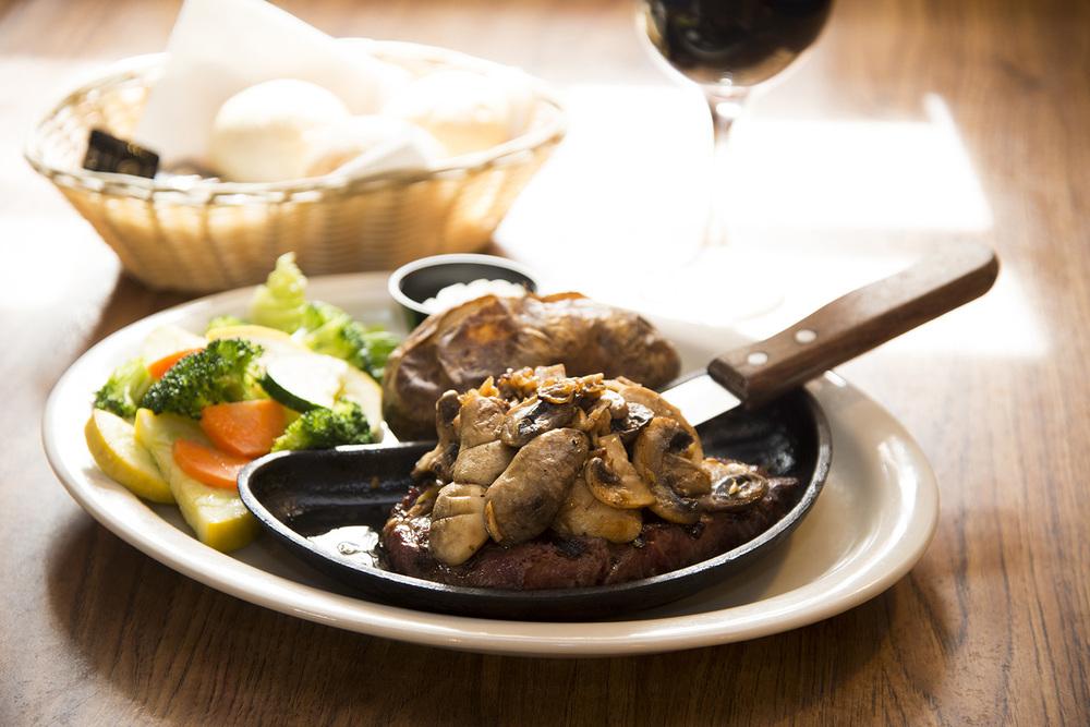 the-log-cabin-steak.jpg