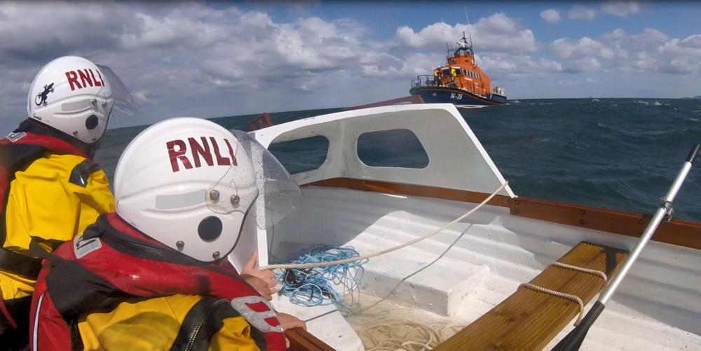 boat on rocks 4.PNG