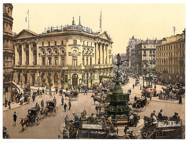 Piccadilly Circus (image: Library of Congress)