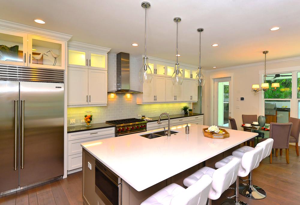 Kitchen Bfast Summer.jpg