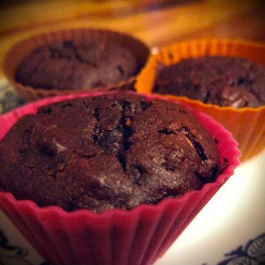 Gluten Free Chocolate Chip Zucchini Muffins || Gluten Free Allies