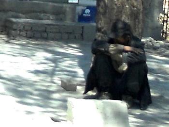 Afghan squat 04