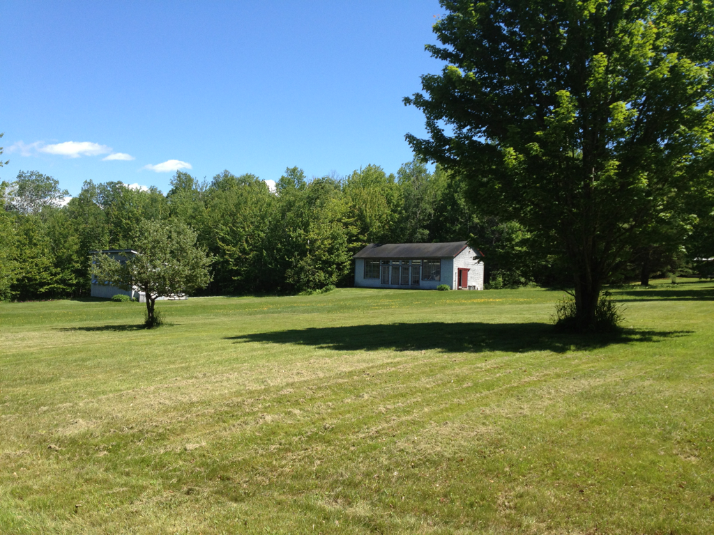 Bye Upper Barn, bye Skowhegan.     (photo from first day, not last)