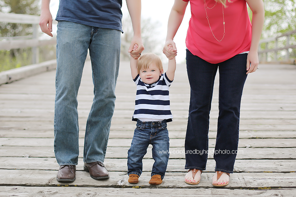 2-central-iowa-family-photographer-huxley-ames-one-year-pictures-donner.png