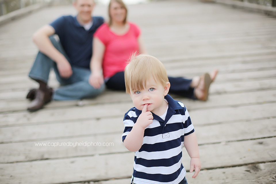 3-central-iowa-family-photographer-huxley-ames-one-year-pictures-donner.png