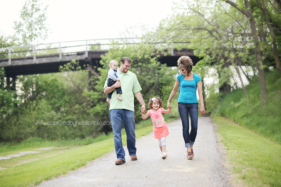 1-central-iowa-family-photographer-huxley-boone-desmoines-ankeny.png