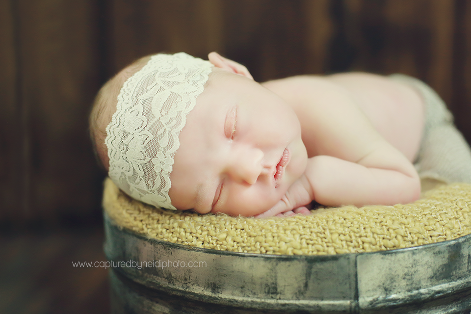 5-central-iowa-newborn-photographer-captured-by-heidi-huxley-ames-desmoines-ankeny.png