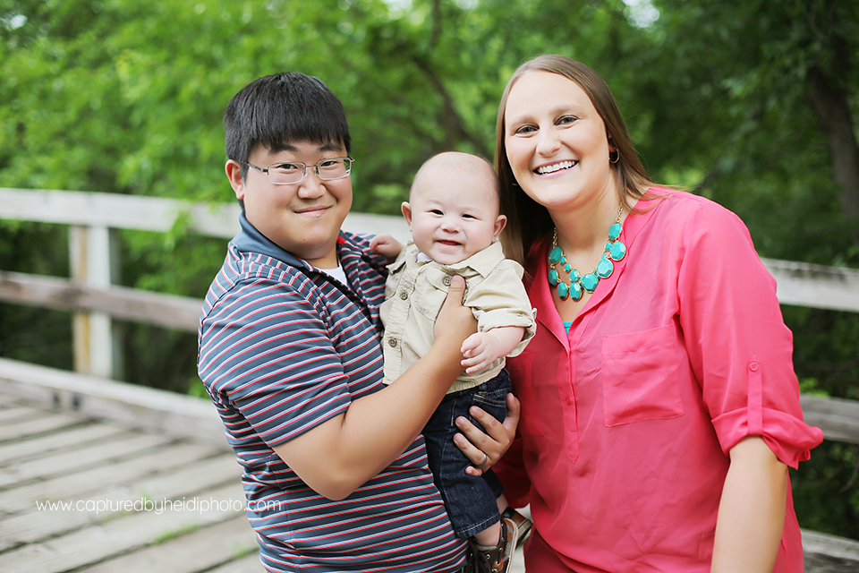 1-central-iowa-family-photographer-captured-by-heidi-huxley-desmoines-waukee-urbandale-ankeny.png
