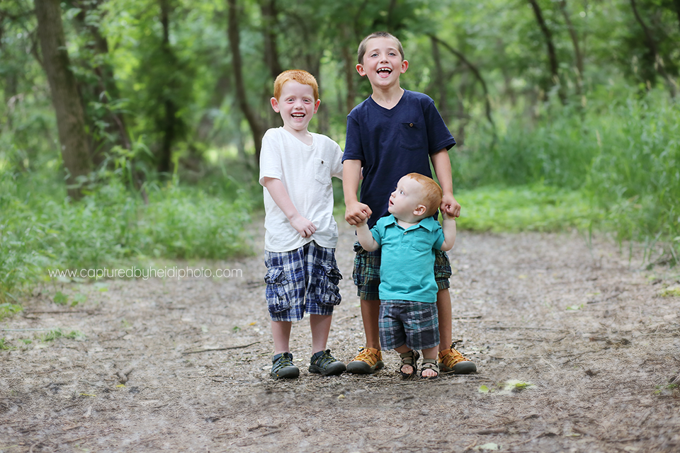 2-central-iowa-family-photographer-huxley-ankeny-yellowbankspark.png