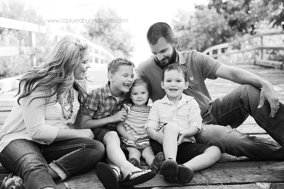 2-central-iowa-family-photographer-huxley-sheldahl-desmoines-ankeny-dirkx-family.png