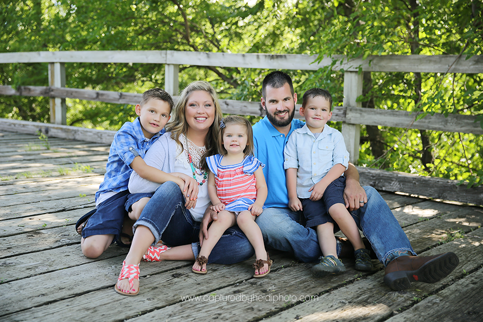 1-central-iowa-family-photographer-huxley-sheldahl-desmoines-ankeny-dirkx-family.png