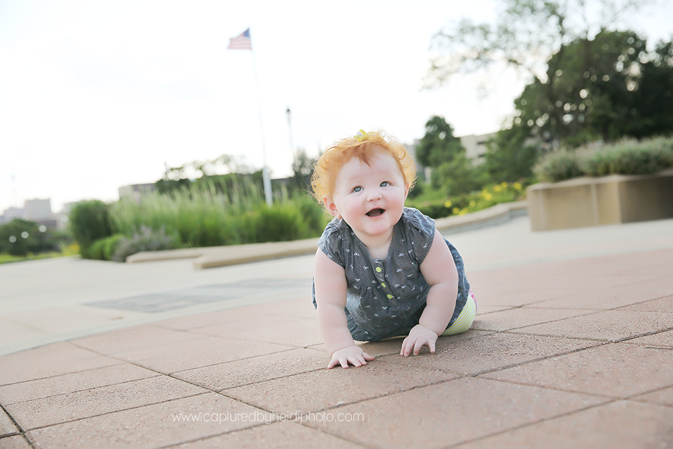 11-central-iowa-photographer-captured-by-heidi-down-town-des-moines-family-session-huxley-desmoines.png