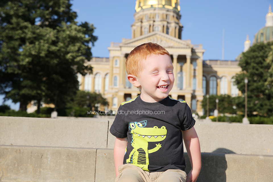 21-central-iowa-photographer-captured-by-heidi-down-town-des-moines-family-session-huxley-desmoines-ankeny-wickware.png