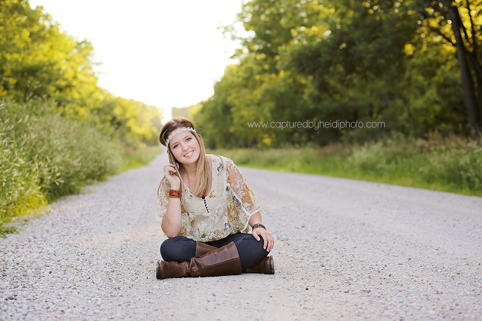 6-central-iowa-senior-photographer-captured-by-heidi-huxle-kelley-begg-senior-pictures.png