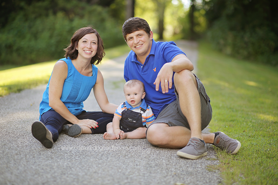 2-central-iowa-family-photographer-huxley-desmoines-indianola-pontier-family-pictures-10-months-old.png