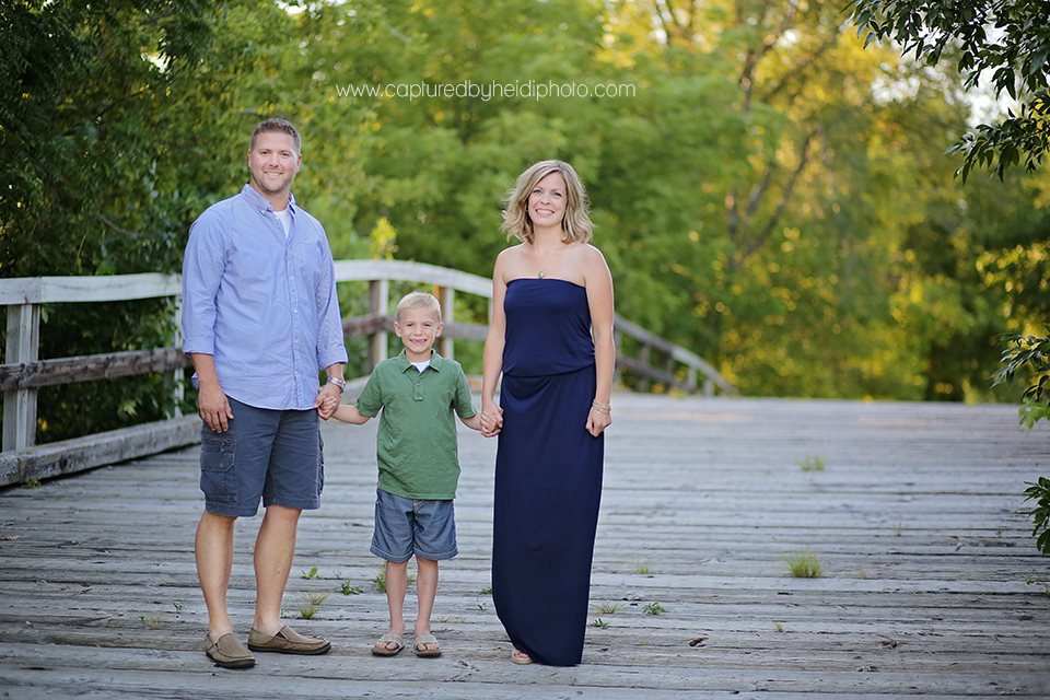 1-central-iowa-family-photographer-huxley-ames-ankeney-waukee-captured-by-heidi-fuhrman-family-pictures.png